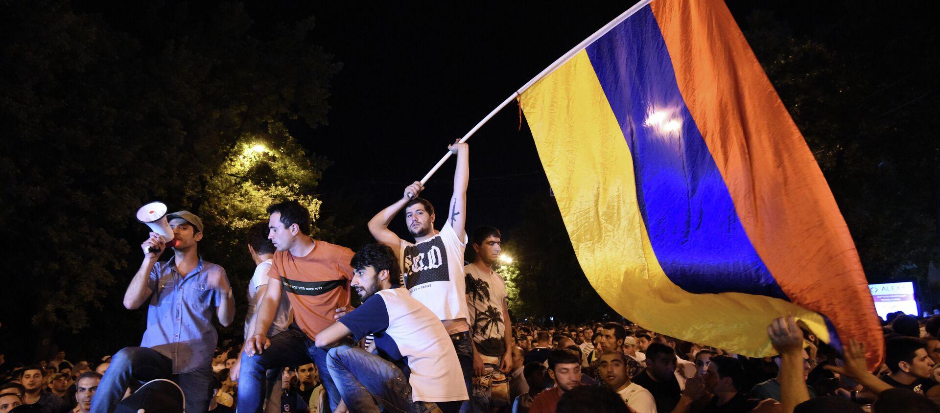 Акция протеста против повышения цен на электроэнергию в столице Ереване.23 июня 2015. - Sputnik Абхазия, 1920, 22.06.2021