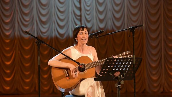 Песня Человек на стихи Дырмита Гулиа прозвучала на абхазской сцене - Sputnik Абхазия