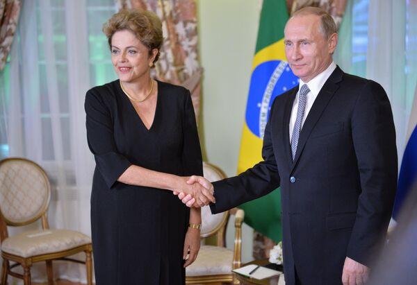 Беседа Президента Российской Федерации Владимира Путина с Президентом Бразилии Дилмой Роуссефф - Sputnik Абхазия