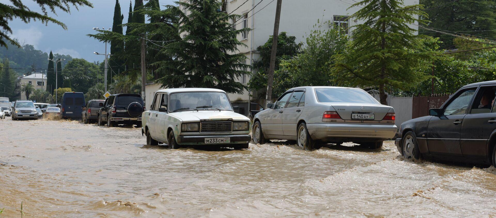 потоп  - Sputnik Абхазия, 1920, 27.07.2021