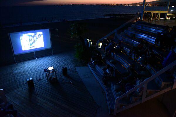 Фильм В центре этого двора впервые показан на большом экране - Sputnik Абхазия