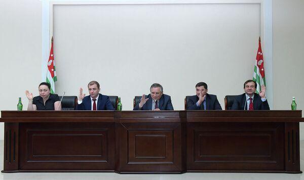 Заседание кабмина по индикативному плану. Фото с места события. - Sputnik Абхазия
