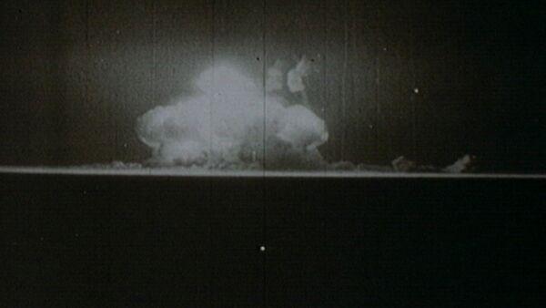 Начало ядерного века. Первая американская атомная бомба в архивных кадрах - Sputnik Абхазия