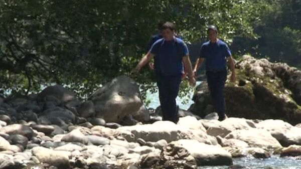 Поиски Дарьи Михальской, пропавшей при ДТП в реке Бзыбь - Sputnik Абхазия
