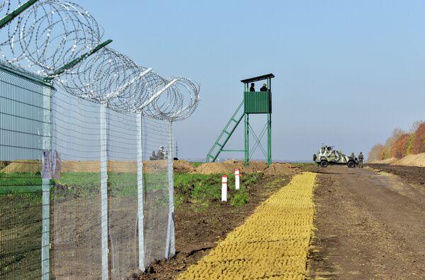 Участок границы Украины с Россией. Архивное фото. - Sputnik Абхазия