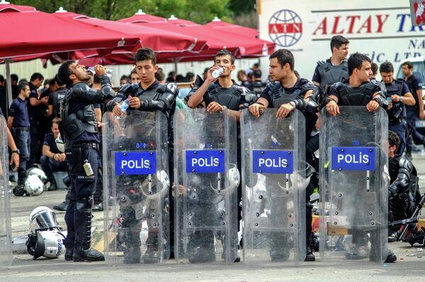 Полиция в Стамбуле. Архивное фото. - Sputnik Абхазия