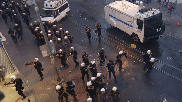 Полиция в Турции. Архивное фото. - Sputnik Абхазия