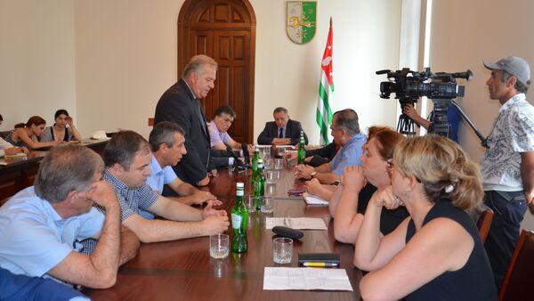 Подготовку к всеобщей диспансеризации обсудили в Кабмине - Sputnik Абхазия