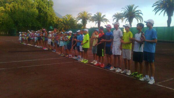 Турнир по теннису памяти Героя Абхазии Арзамета Тарба проходит в Гагре - Sputnik Абхазия