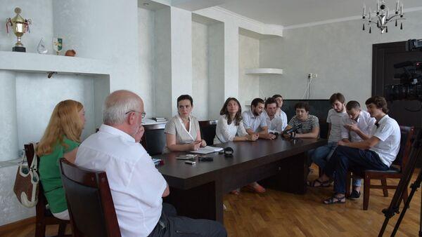 Студенты Щукинского института рассказали Эльвире Арсалия о своей учебе - Sputnik Абхазия