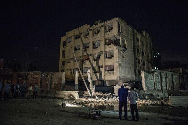 Полиция Египта на месте взрыва в пригороде Каира. 20 августа 2015. - Sputnik Абхазия