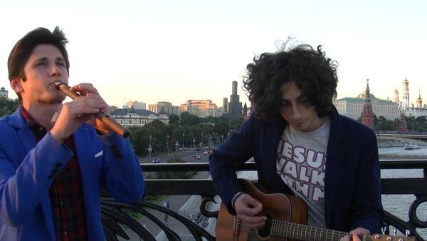 Уроженец Сухума Арам Аведикян исполняет лирическую мелодию на дудуке - Sputnik Абхазия