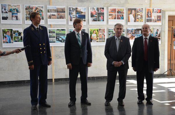 Выставка в честь 25-летия ПМР прошла в кабинете министров Абхазия - Sputnik Абхазия