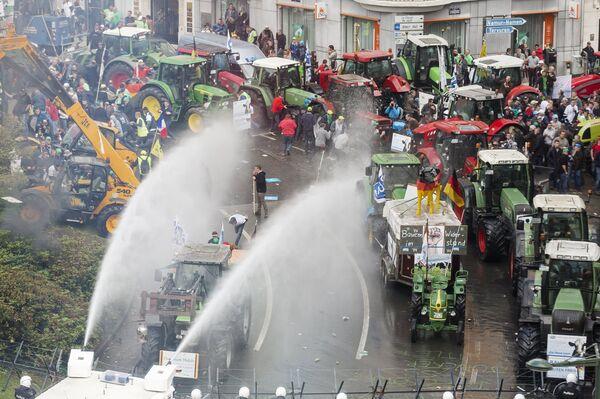 Акция протеста фермеров в Брюсселе - Sputnik Абхазия
