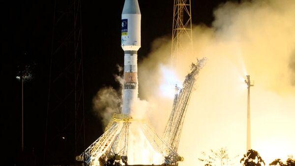 Ракета Союз-СТ вывела на орбиту два спутника Galileo. Кадры запуска с Куру - Sputnik Абхазия