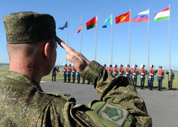 Совместные командно-штабные учения Рубеж-2014 в Челябинской области - Sputnik Абхазия