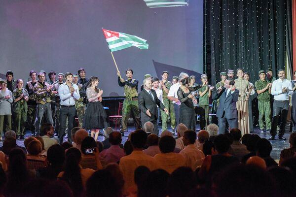 Театрализованное представление в день освобождения Сухума. - Sputnik Абхазия