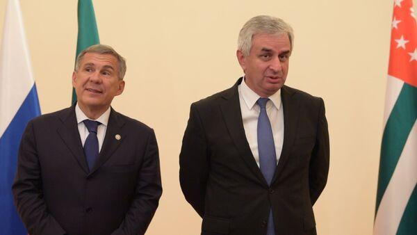 Минниханов впервые посетил с официальным визитом Абхазию - Sputnik Абхазия