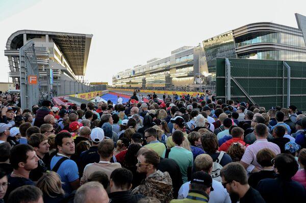 Подготовка к российскому этапу чемпионата мира по кольцевым автогонкам в классе Формула-1 - Sputnik Абхазия