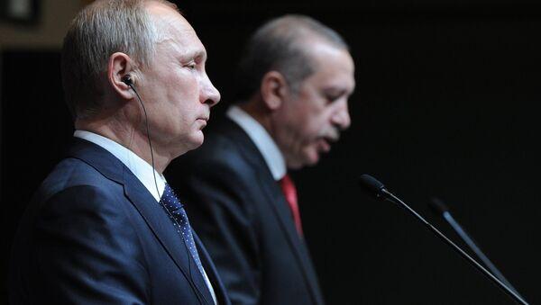 Президент России Владимир Путин (слева) и президент Турецкой республики Реджеп Тайип Эрдоган. Архивное фото. - Sputnik Абхазия
