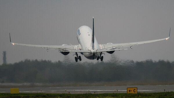 Самолет. Архивное фото - Sputnik Абхазия