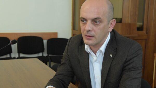 Парламентарий Алмас Джапуа рассказал о своей позициипо выходу из политического кризиса - Sputnik Абхазия