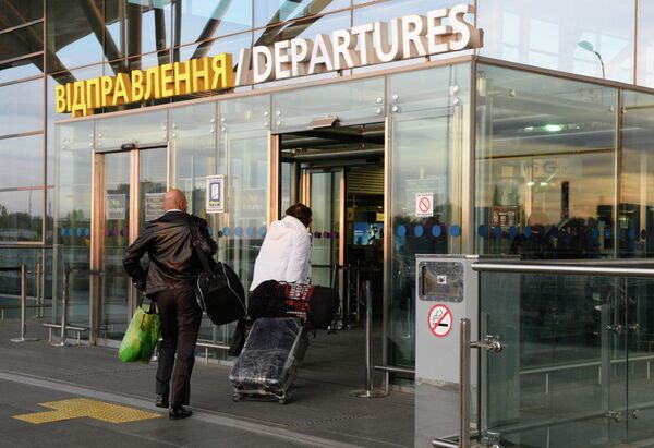 С 25 октября вводится запрет на полеты украинских авиакомпаний в Россию и российских на Украину - Sputnik Абхазия