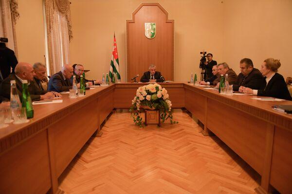Встреча Хаджимба с общественностью. - Sputnik Абхазия