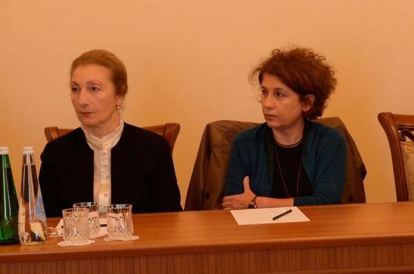 Лиана Кварчелия (справа). - Sputnik Абхазия