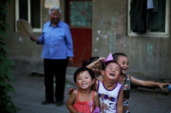 В Китае всем семьям разрешат иметь двух детей - Sputnik Абхазия