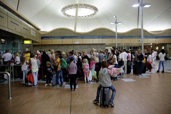 Туристы в аэропорту Шарм-эш-Шейха. - Sputnik Абхазия