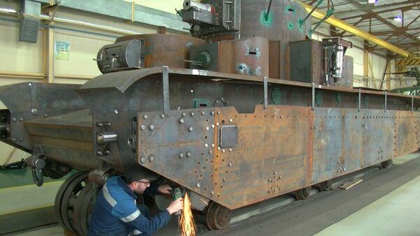 Мастера-механики показали, как реставрируют танки и самолеты Второй мировой - Sputnik Абхазия