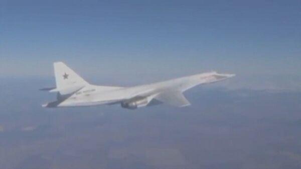 Самолеты Ty-160, Ту-95МС и Ту-22М3 сбросили ракеты на объекты ИГ в Сирии - Sputnik Абхазия