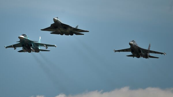 Самолеты Су-34, Т-50 и Су-35 С (слева направо). - Sputnik Аҧсны