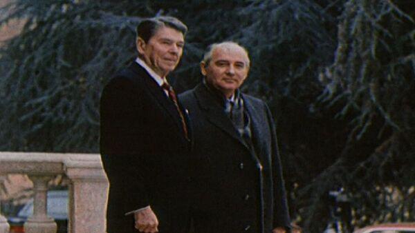 Первая встреча лидеров СССР и США Горбачева и Рейгана. Съемки 1985 года - Sputnik Абхазия