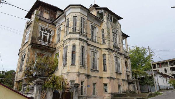 Дом по ул. Джанашия. - Sputnik Абхазия