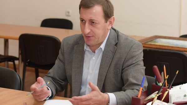 Дырмит Гәлиа ихьӡ зху Аҧсуаҭҵааратә институт адиректор Арда Ашәба - Sputnik Аҧсны