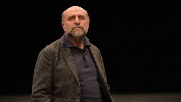 В проекте Sputnik. Чтения известный актер Кесоу Хагба читает поэзию Шинкуба - Sputnik Абхазия