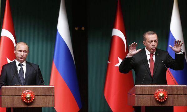 Президент России Владимир Путин (слева) и президент Турции Реджеп Тайип Эрдоган. - Sputnik Абхазия