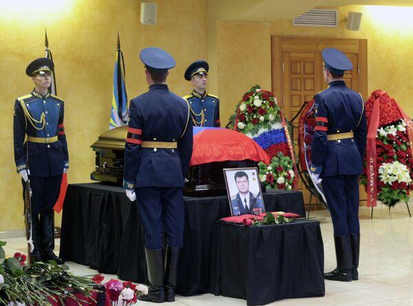 Похороны погибшего в Сирии летчика О.Пешкова в Липецке. Архивное фото - Sputnik Абхазия