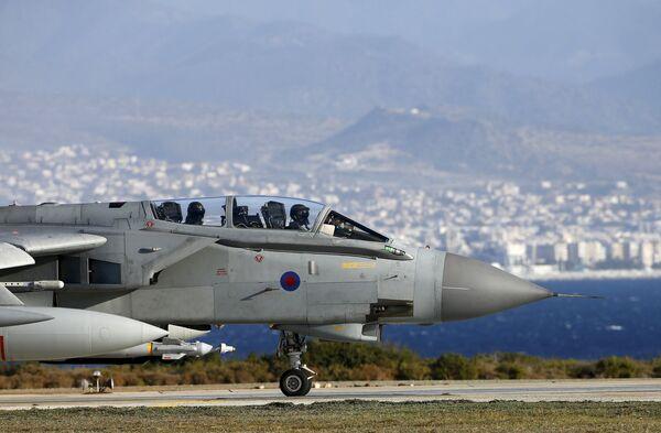 Самолеты ВВС Британии нанесли первые удары по ИГ (ДАИШ) в Сирии - Sputnik Абхазия