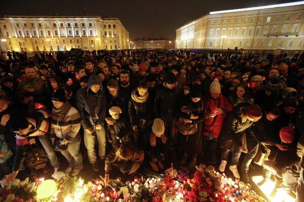 Акция памяти жертв крушения А-321 в Санкт-Петербурге. Архивное фото - Sputnik Абхазия