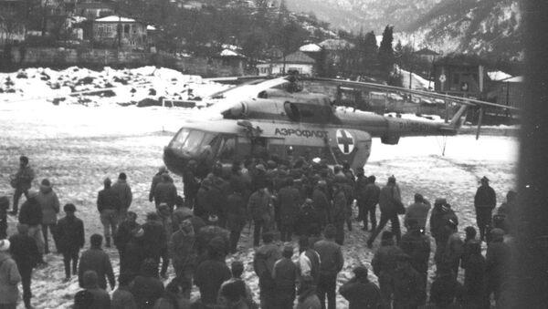 Работа российских вертолетов во время грузино-абхазской войны. - Sputnik Абхазия
