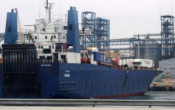 Паром с российскими дальнобойщиками прибыл из Турции в Севастополь - Sputnik Абхазия