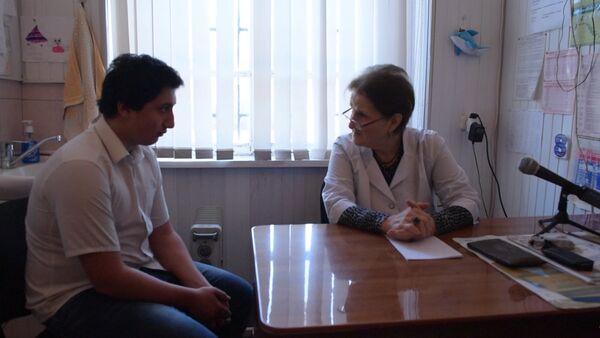 Благотворительный фонд начал собирать деньги на лечение Зураба Попова - Sputnik Абхазия