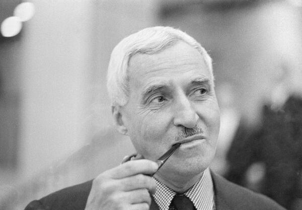 Советский писатель Константин (Кирилл) Михайлович Симонов. Архивное фото - Sputnik Абхазия