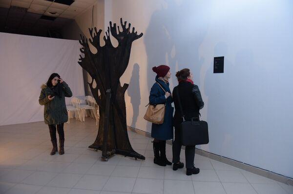 Выставка-инсталляция Архипа Лабахуа Три стены или что это? в Сухуме - Sputnik Абхазия