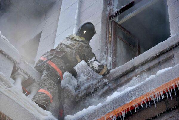 Тушение пожара. Архивное фото - Sputnik Абхазия
