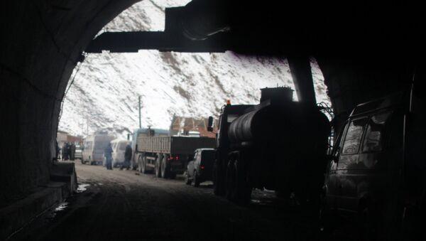 Архивное фото Рокского тоннеля Транскавказской магистрали - Sputnik Абхазия