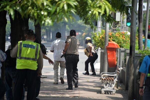 На месте серии взрывов в центре Джакарты - Sputnik Абхазия